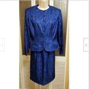 Adrianna Papell Ladies Beautiful Silk Skirt Suit